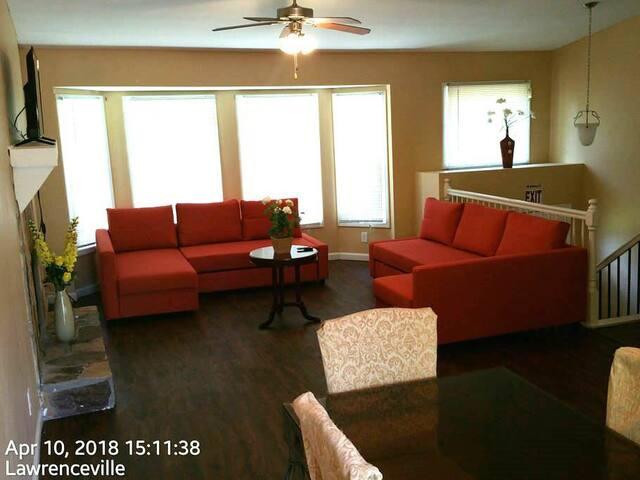 Plush Vacation Rentals  (Gwinnett) Beds (8) 6 Park