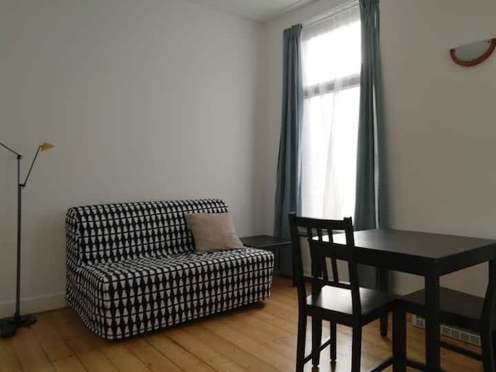 Appartement lumineux et tranquille près du centre.