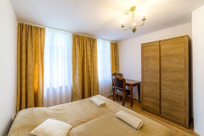 Przytulny Pokój w Zabytkowym Hotelu z Historią