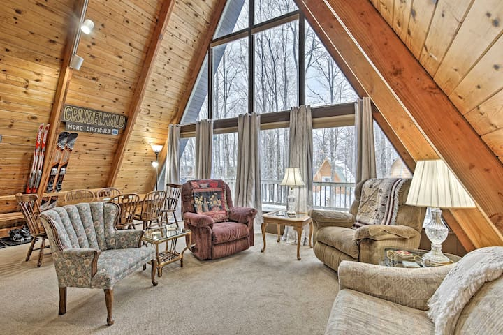 NEW! Ski-In/Ski-Out Whitecap Mtn Chalet +Fireplace