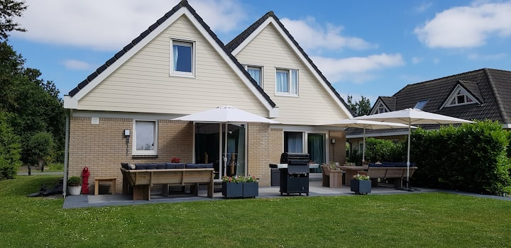 Luxe villa 't Buytenhuys,  45 km van Amsterdam