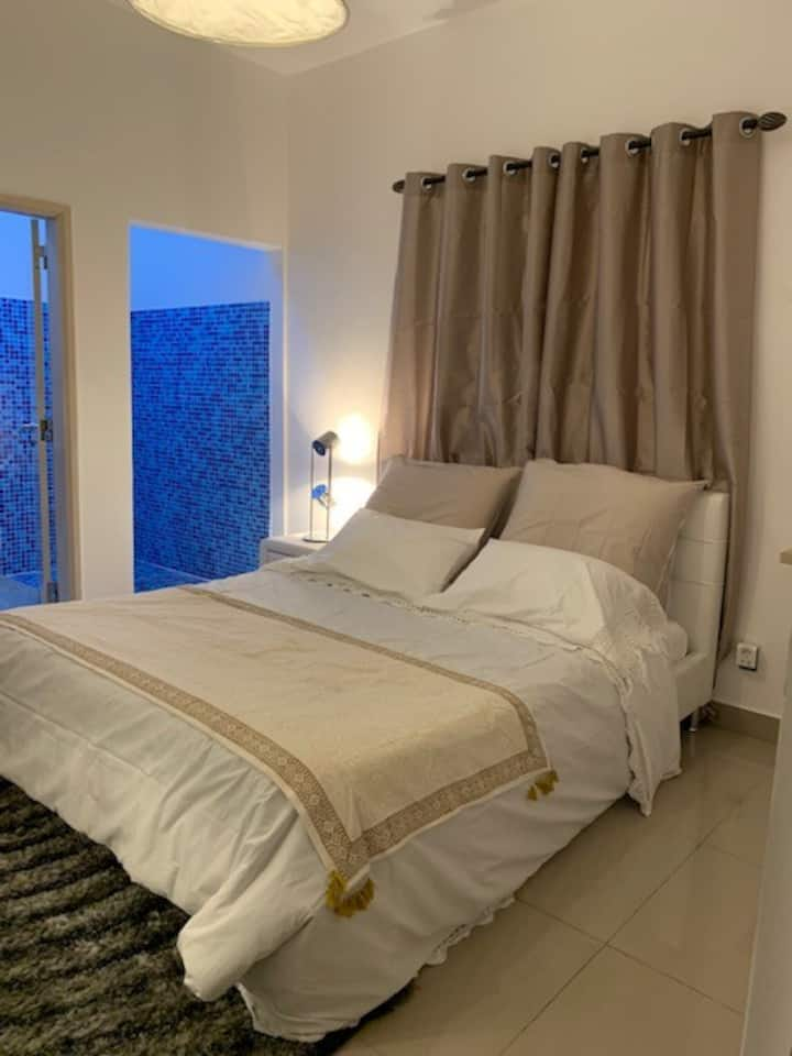 Kalandula Private room at family Portuguese House
