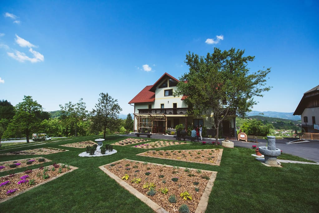 Garten und Gästehaus