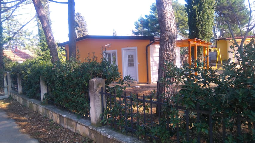 ADRIATIC HOUSES BORSE-CIPRES - Bašanija - บ้าน