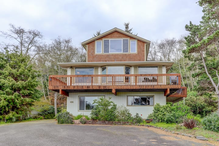 Hill top home at Cannon Beach
