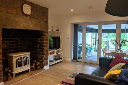 Newly converted self-contained one bedroom flat