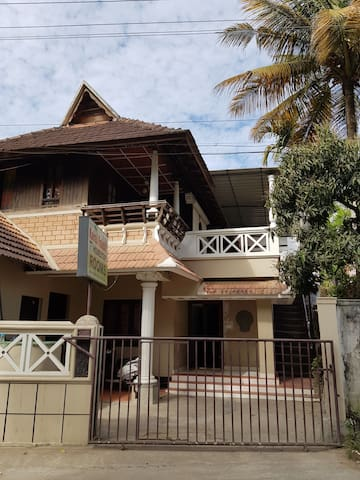 "Kairali palace Home stay ""Heritage """