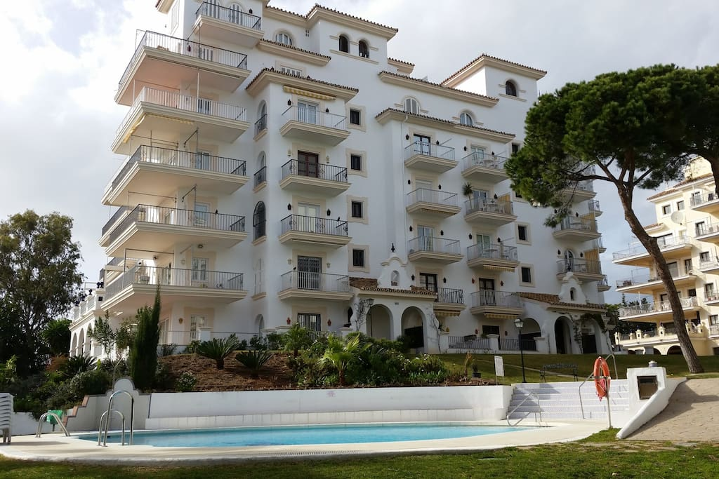 A beautiful 2 bed apartment right on the beach at Puerto Banus.