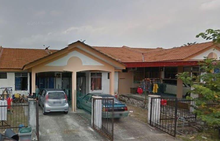 3 room homestay @ teluk kemang Port Dickson - Port Dickson - Hus