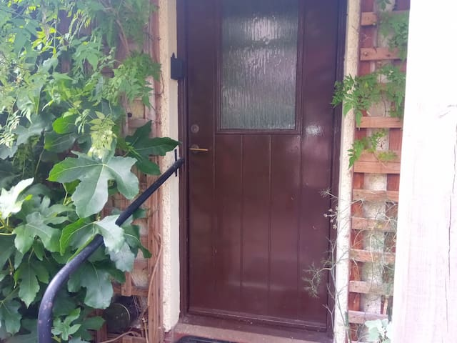 Front door showing key safe (black box to left)