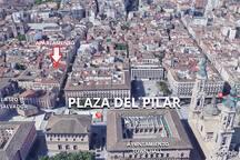 En pleno Centro Histórico, a solo 90 metros de la Plaza del Pilar. En la C/ Don Jaime y junto al barrio de El Tubo.