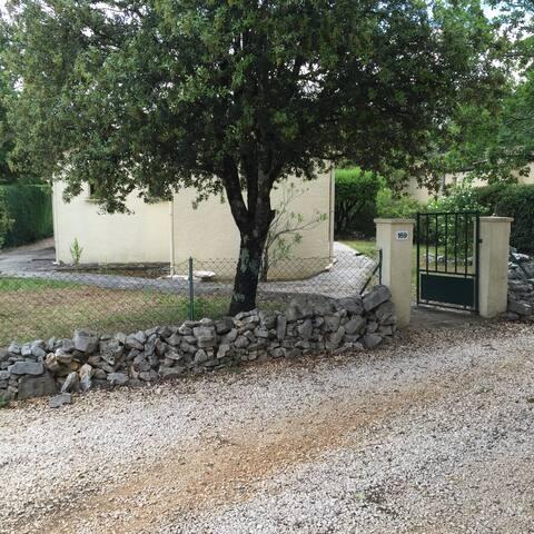SOLEIL ET CALME - Méjannes-le-Clap - Apartament