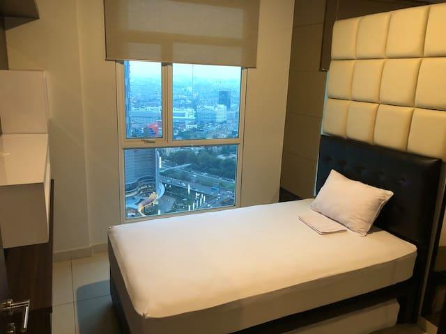 3'rd Bedroom w/h 2 single bed