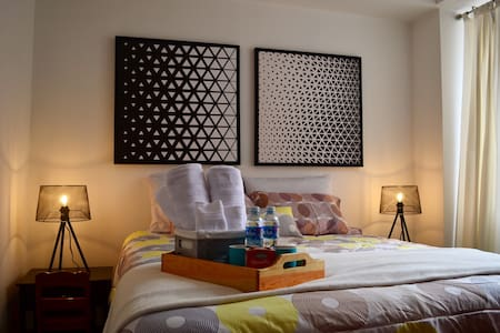 Cozy private Room Zona 10 Guatemala! Centric place