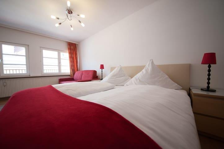 Hotel Anker, (Lindau am Bodensee), Doppelzimmer mit Etagen-WC und externem Bad
