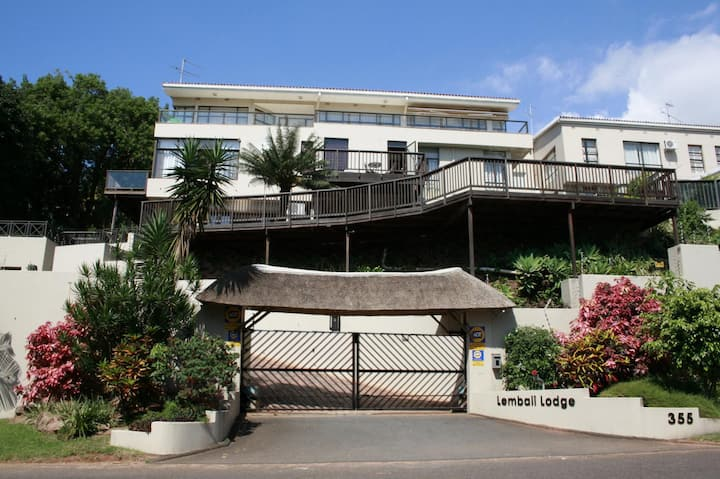Magnificent Villa w views across Durban * sleeps12