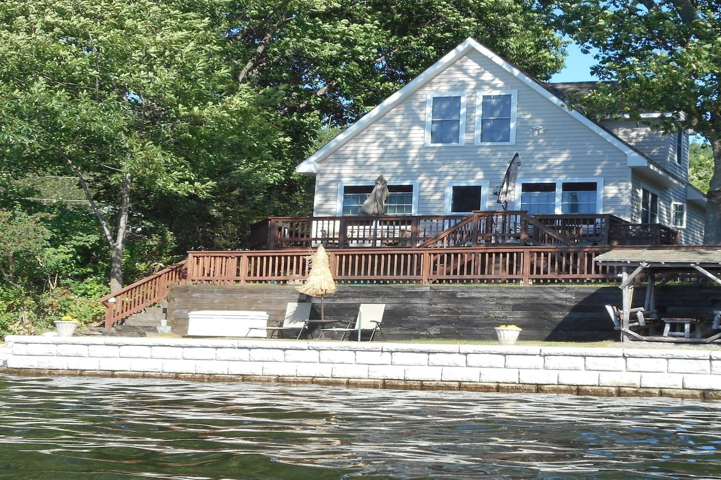 The Little Cottage House on Kinderhook Lake