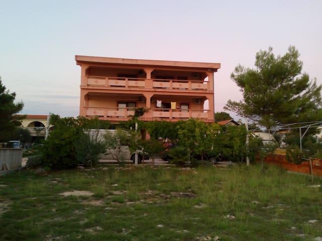 Maslina Mali Apartman 6