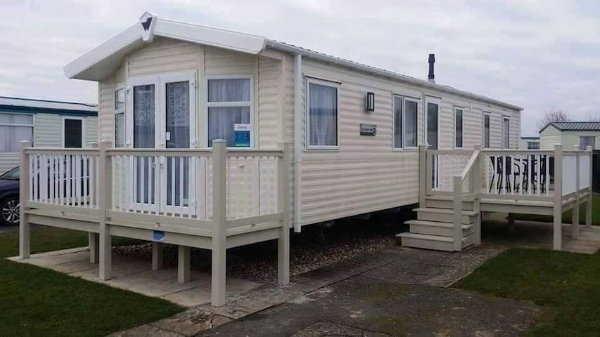 Private owned Caravan to rent at Butlins Skegness