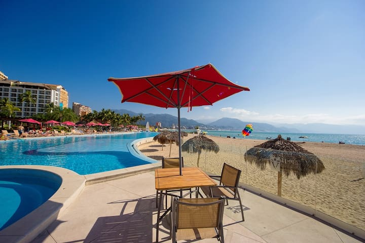 Lounge On Your Own Private Terrace, Ocean View, 2 Bathrooms, Pool, Gym
