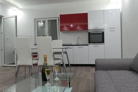 Apartment Neno2(15m from beach)