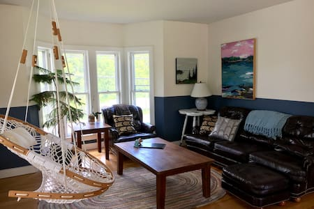 Cozy, sunny, private Rockport apartment!