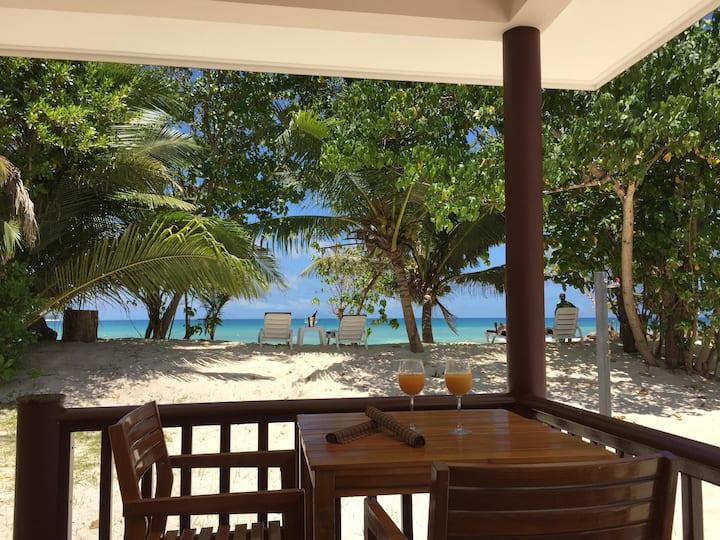 Villa pieds dans l'eau avec WiFi gratuit
