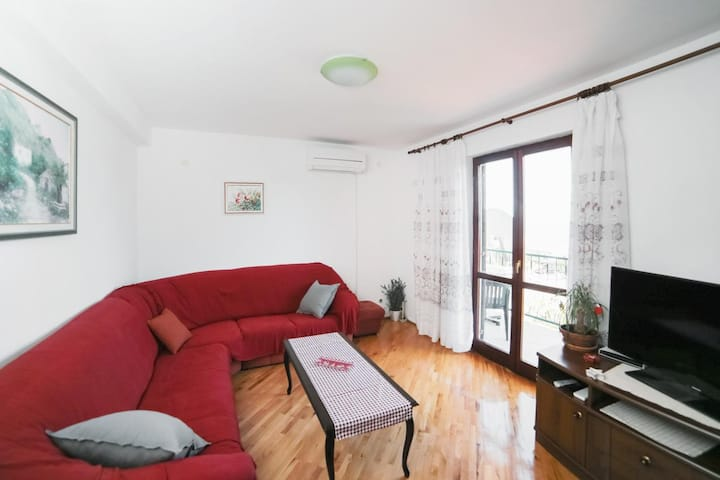 Two bedroom apartment with balcony and sea view Podaca, Makarska (A-11588-d)