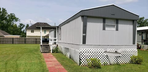 2 bed/1 bath trailer near plantations/ New Orleans