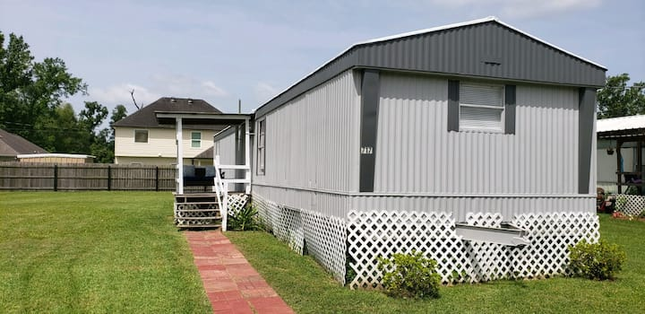 2 bed/1 bath trailer near plantations/ New Orleans