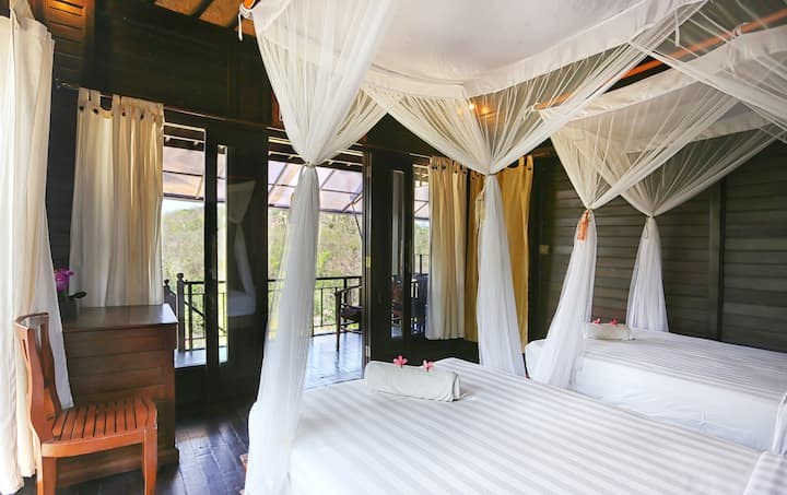 Garden Twins Bed Lodge Lembongan with Breakfast
