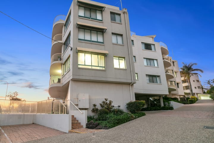 Deepwater Cove Unit 1, 68 Lower Gay Tce Bulcock Beach