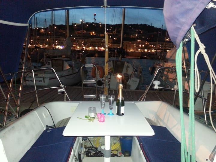 Nuitée à bord de Danilou un voilier de 9.50m