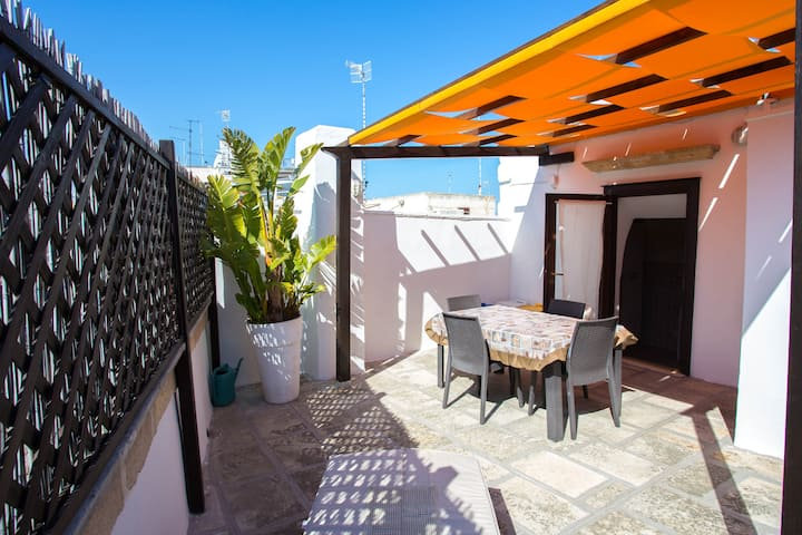 Apulian House with private terrace, free WIFI