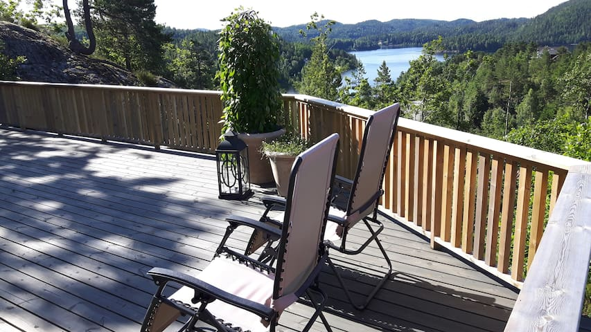 Norwegian Lake House with view - Froland - Villa