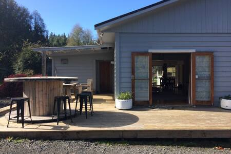 Valley Hide Away - Spa & WIFI Central Nth Island