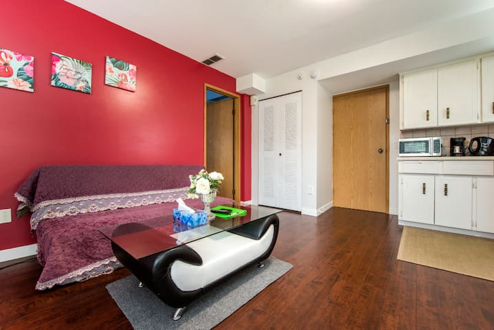 Clean, private and affordable suite in Guildford