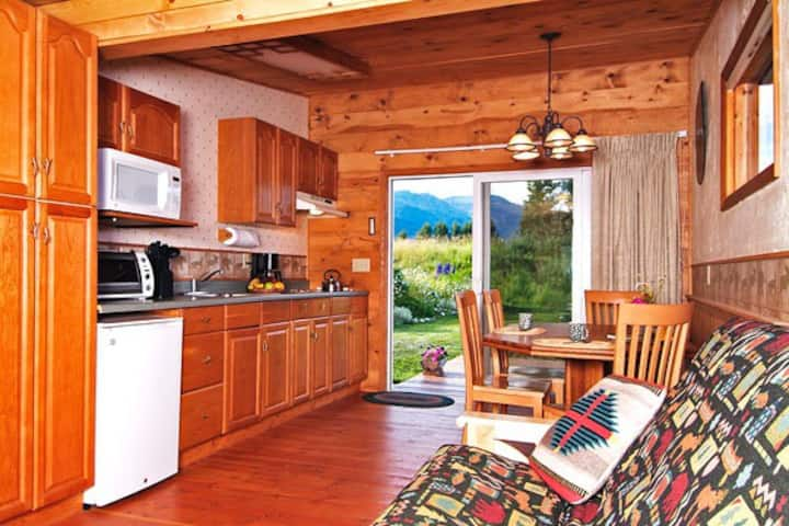 Teton View Bed & Breakfast Cabin - incl. breakfast