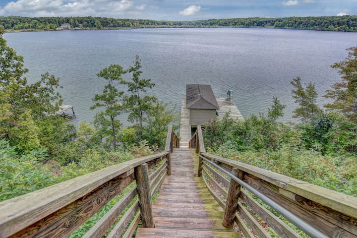 Lakefront home w/stunning views, deep water dock, firepit & canoe
