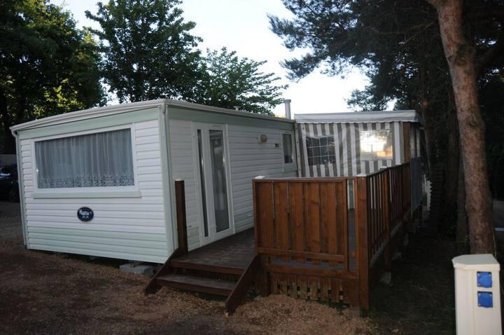 Mobil-Home IRM 4/6 places avec terrasse couverte