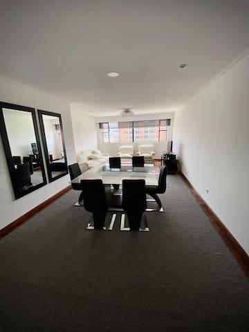 Apartamento moderno y excelente ubicación
