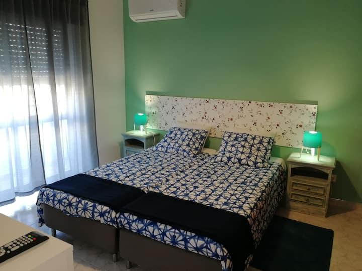 Lovely Private Room in Lagos,AC, pvt WC, WIFI (CM)