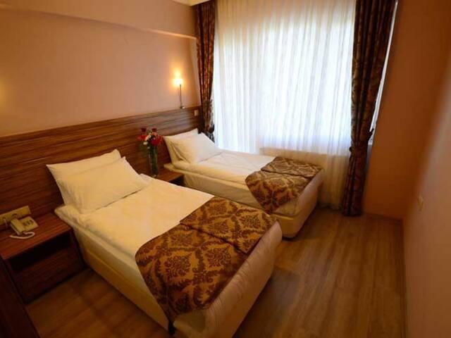 Bahce Manzarali Suit Oda - Dort Mevsim Suit Hotel
