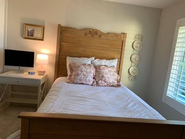 Country Cottage Style - Private 1 bedroom