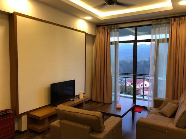 3-Bedroom Apartment (The Retreat, Aranda Nova)