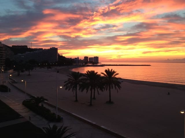Lovely Seafront Apartment - Cullera - Apartament