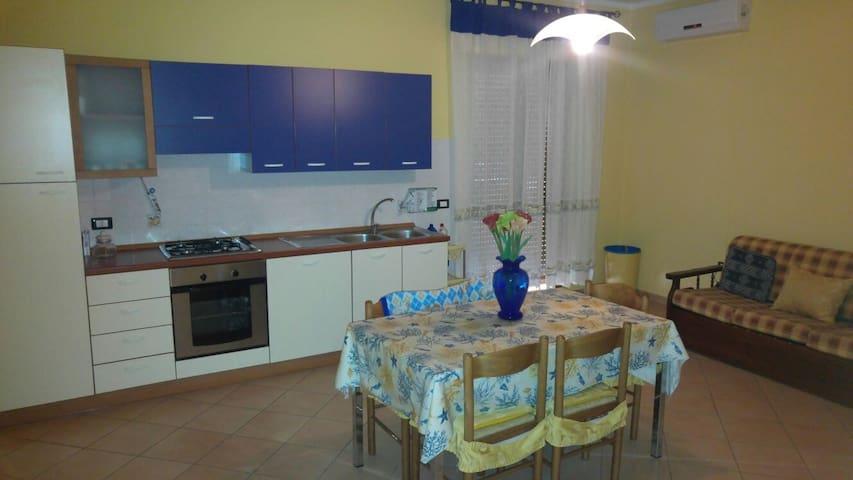 Le castella appartamenti,case vacanza estiva - Le Castella - Appartement