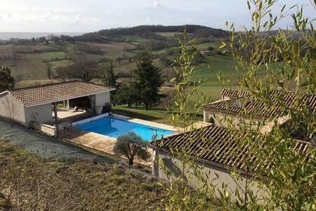 Maison à la Campagne avec Piscine et Pool House