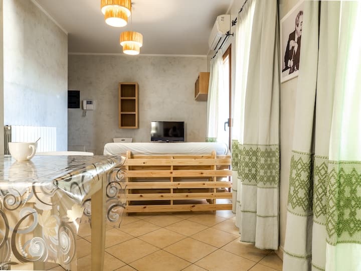 Klodge | Jeremy House 53: modern flat Olbia town
