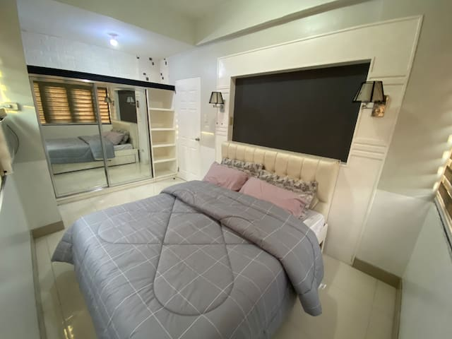 Queen size Bed with Pullout bed